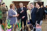 Puolan presidenttipari esitteli valtiovieraille presidentinlinnan pääsiäiskoristeita. Copyright © Tasavallan presidentin kanslia