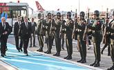 Presidentti Niinistö tarkasti kunniakomppanian Istanbulin lentokentällä saapuessaan viralliselle vierailulle Turkkiin maanantaina 12. lokakuuta. Copyright © Tasavallan presidentin kanslia