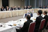 Presidentti Niinistö ja yritysvaltuuskunta tapasivat talousvaikuttajia lounaalla Japanin elinkeinoelämän keskusliitossa Keidanrenissa Tokiossa 9. maaliskuuta. Copyright © Tasavallan presidentin kanslia