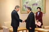Presidentti Niinistö tapasi Japanin parlamentin alahuoneen puhemiehen Tadamori Oshiman 9. maaliskuuta Tokiossa. Copyright © Tasavallan presidentin kanslia