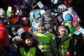 Muoniossa heiluivat Suomen liput. Kuva: Matti Porre / Tasavallan presidentin kanslia