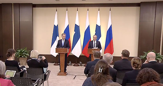 President Niinistö and President Putin at a joint press conference. Photo: RT