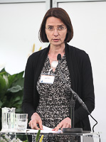 Svenska Handelshögskolanin professori Anne Brunila.