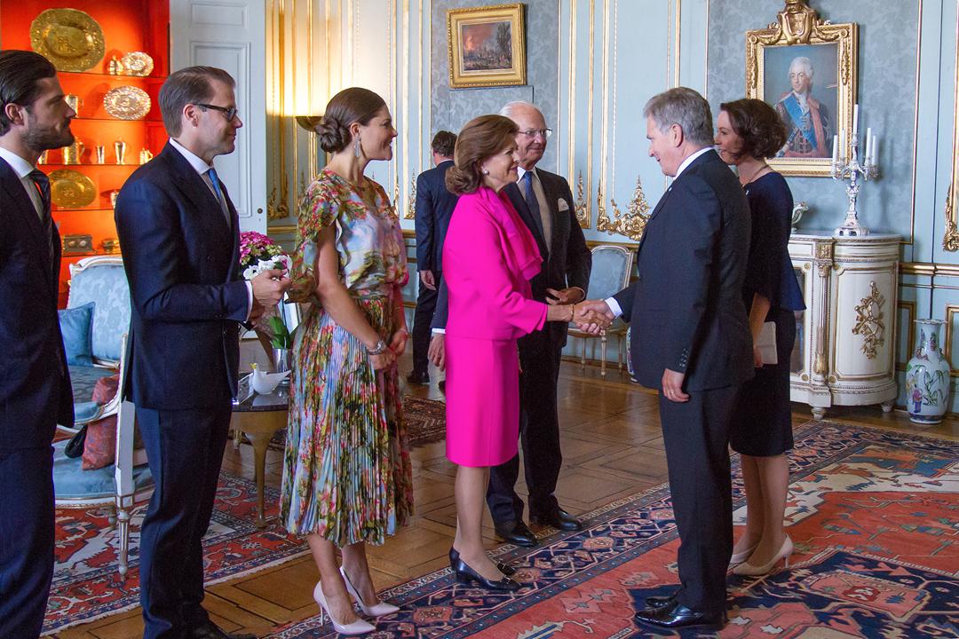 Tukholman-vierailu alkoi kuningasperheen tarjoamalla yhteisellä lounaalla Kuninkaanlinnassa. Kuva: Henrik Garlöv, Kungliga Hovstaterna.