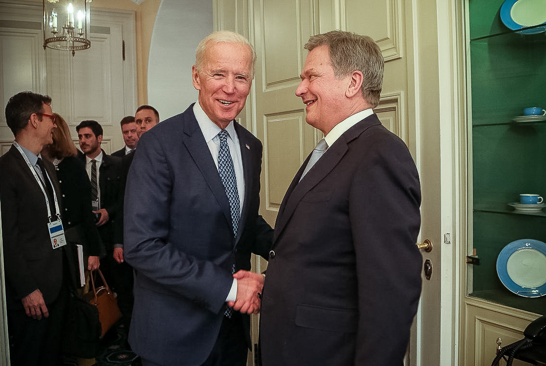 Förenta staternas före detta vicepresident Joe Biden och president Niinistö i München den 17 februari. Foto: Katri Makkonen/Republikens presidents kansli