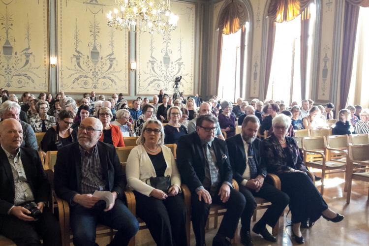 Paneelin yleisöä kaupungintalolla. Kuva: Elina Saarela / Kuopion kaupunki