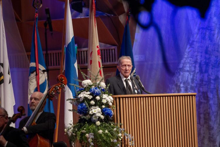 Sotaveteraani Heikki Suhonen esitti veteraanin tervehdyksen. Kuva: Vicente Serra / Kuopion kaupunki