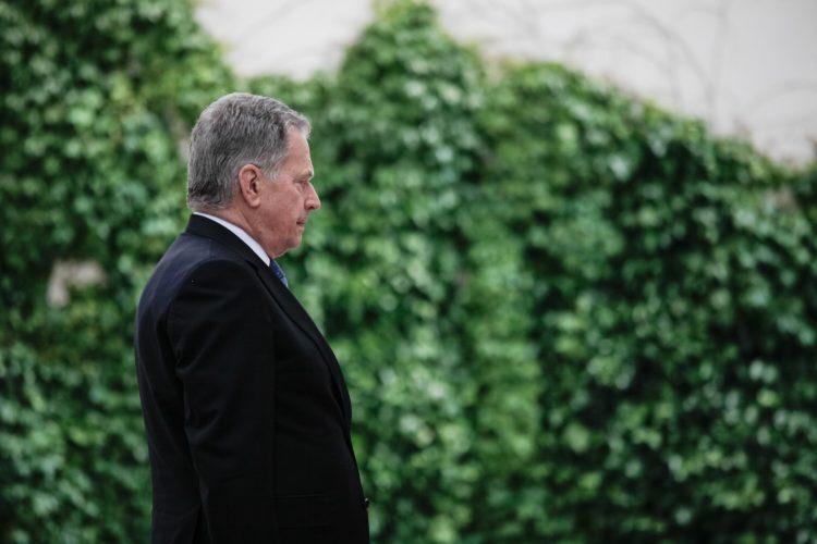 Presidentti Niinistö laski seppeleen sotien uhrien muistomerkille Ljubljanassa. Kuva: Matti Porre /Tasavallan presidentin kanslia