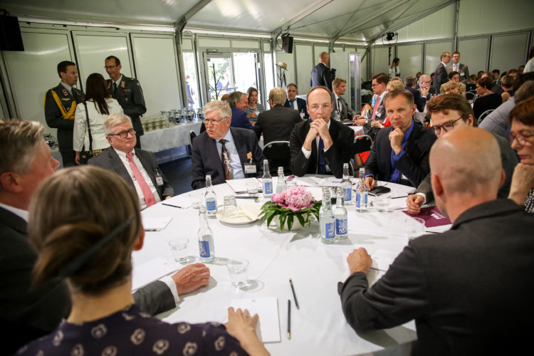 Kultaranta-keskustelujen avauspäivä sunnuntaina 16. kesäkuuta 2016.  Kuva: Matti Porre/Tasavallan presidentin kanslia