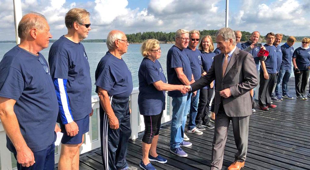 Presidenttisoutu soudettiin tänä vuonna aurinkoisessa säässä. Kuva: Juuso Rönnholm/Tasavallan presidentin kanslia
