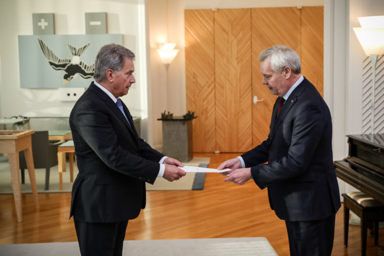 Prime Minister Antti Rinne submitted the resignation of the Government to President of the Republic Sauli Niinistö in Mäntyniemi on 3 December 2019. Photo: Matti Porre/Office of the President of the Republic of Finland