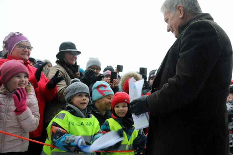 Terveisiä presidentille! Kuva: Riikka Hietajärvi/Tasavallan presidentin kanslia