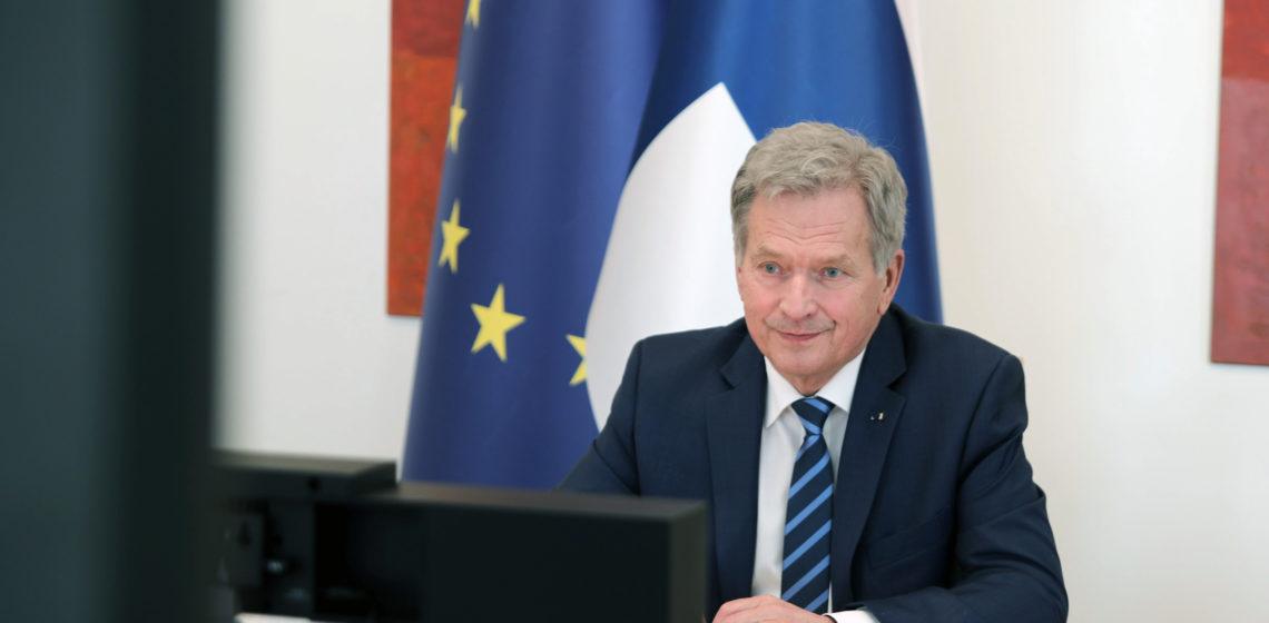 President Niinistö deltog i fredsforumet i Paris på distans i Talludden. Bild: Republikens presidents kansli