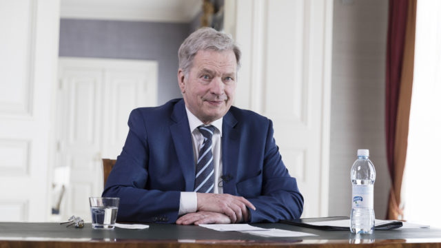 President of the Republic of Finland Sauli Niinistö had a discussion with the students of the University of Lapland on the Kultaranta discussion tour on 21 April 2021. Photo: Jon Norppa/Office of the President of the Republic of Finland