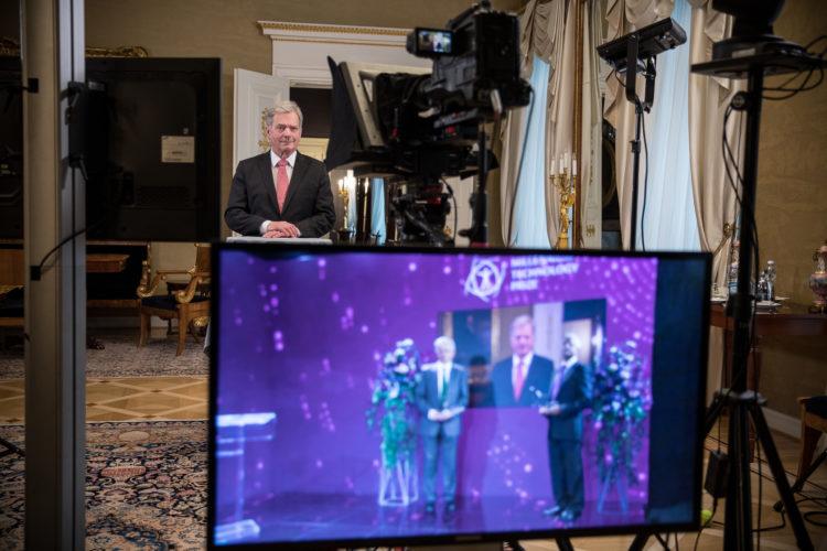 Republikens president Sauli Niinistö delade ut Millenniumpriset för teknologi vid en virtuell prisutdelning tisdagen den 18 maj 2021. Foto: Matti Porre/Republikens presidents kansli