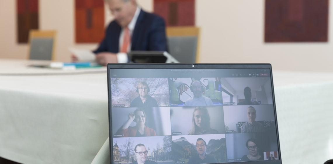 President Niinistö träffade via videolänk företrädare för Statens ungdomsråd och Ungdomsforskningssällskapet Foto: Jon Norppa/Republikens presidents kansli