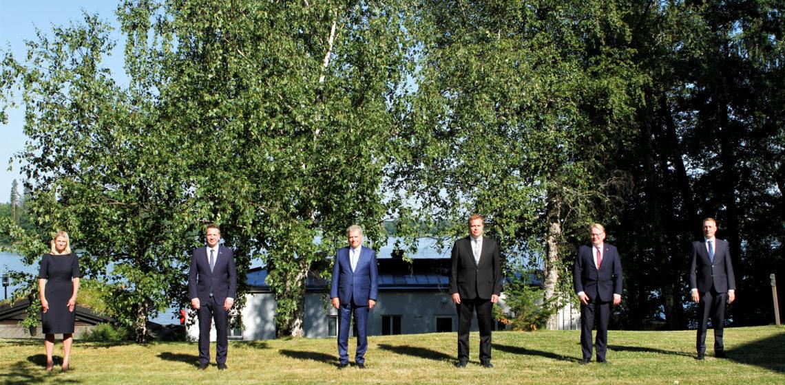 Presidentti Niinistö tapasi Suomen, Ruotsin, Norjan ja Tanskan puolustusministerit  sekä Islannin ulkoministerin Nordefco-kokouksessa Tuusulassa. Kuva: Puolustusministeriö