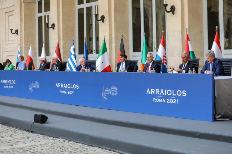 Presidenterna gav pressutlåtanden som avslutning på diskussionerna onsdagen den 15 september 2021. Bild: Jouni Mölsä/Republikens presidents kansli